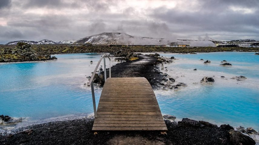 The-Blue-Lagoon-Iceland-1024x576