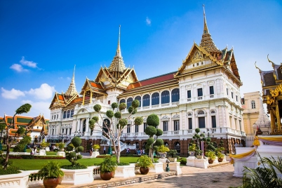 Things To Do In Southeast Asia, The Grand Palace - https://explorethe6.com/